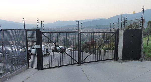Portón Batiente 2 Hojas Vista exterior