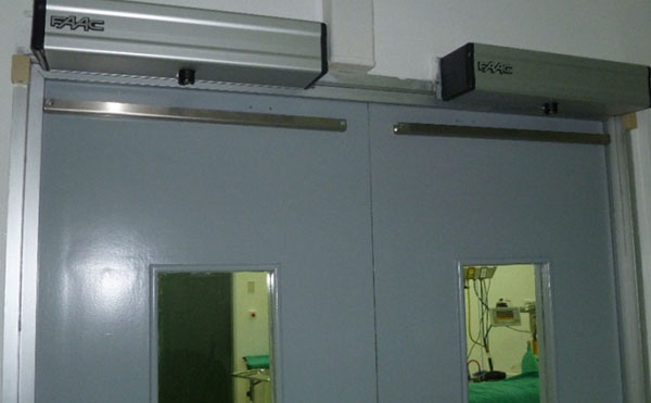 Puerta automáticas en Pabellón Hospital Coyahique Pab 1Pab 4