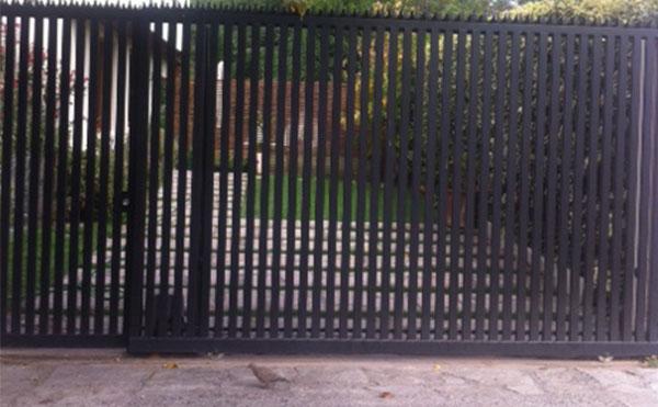 Portón Corredera nuevo semi Transparente