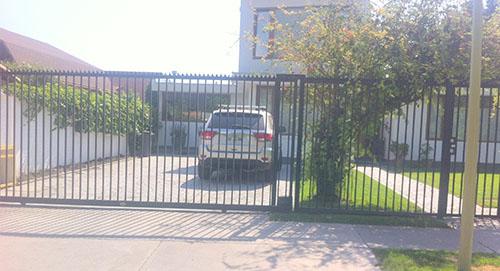 Portón Corredera Paño Reja y Pta. Peatonal