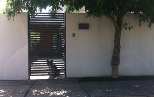 Puerta Peatonal con Pletina